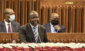 Morte de Nhongo não garante o fim da violência em Moçambique, diz líder parlamentar do MDM