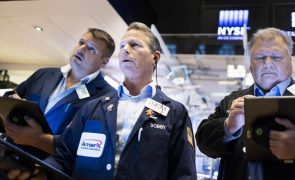 Wall Street  em baixa com preços do petróleo e preocupação com perspectivas económicas