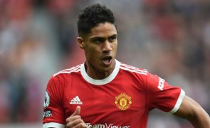 Manchester United perde Varane durante
