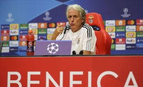 Jesus confessa paixão pelo futebol brasileiro mas diz que a Luz é a sua casa