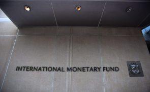 FMI/Previsões: Fundo vê dívida portuguesa nos 130,8% do PIB e défice nos 4,8% este ano
