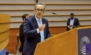 Eurodeputado Manfred Weber reeleito líder do grupo PPE e Paulo Rangel vice-presidente