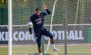 Guarda-redes Maignan operado com sucesso ao pulso e desfalca AC Milan por 10 semanas