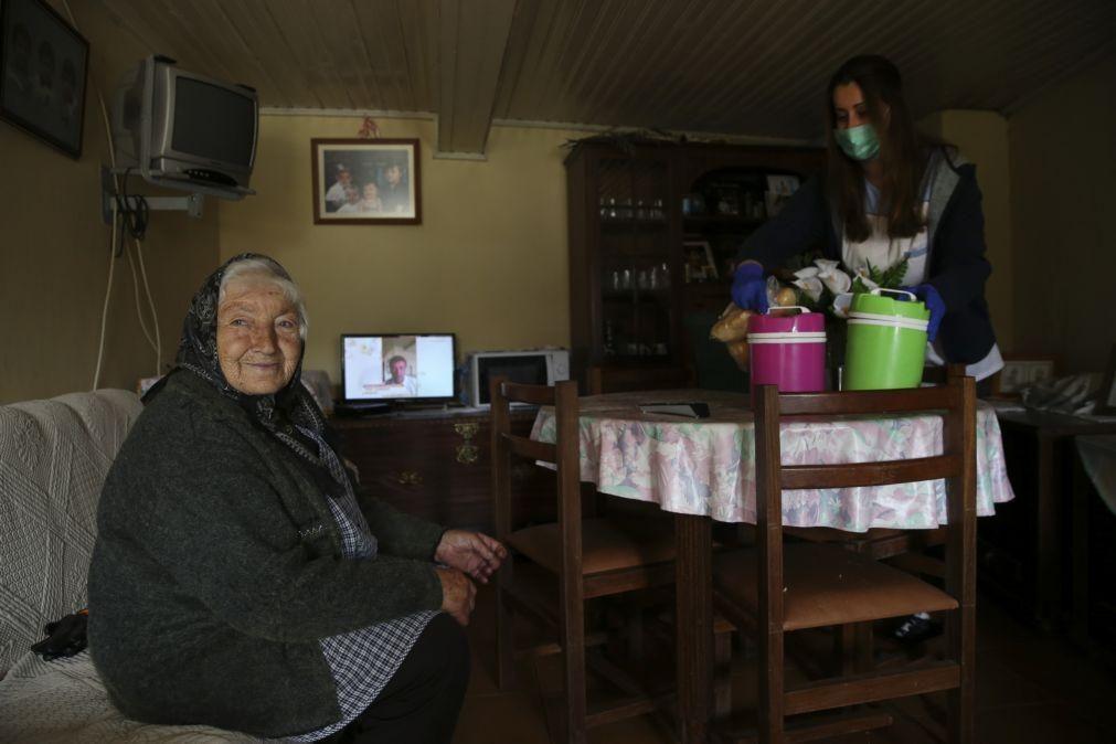 Governo quer rever apoio domiciliário e chegar a mais 35.400 pessoas