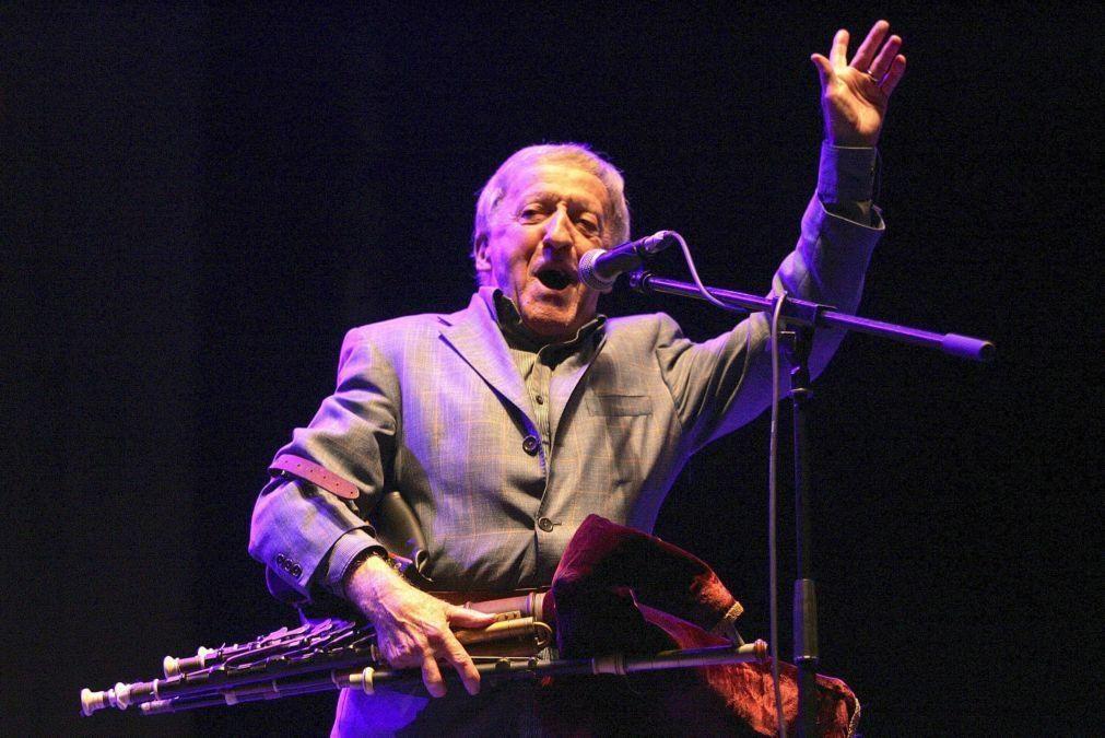 Líder da banda histórica irlandesa The Chieftains, Paddy Moloney, morre aos 83 anos