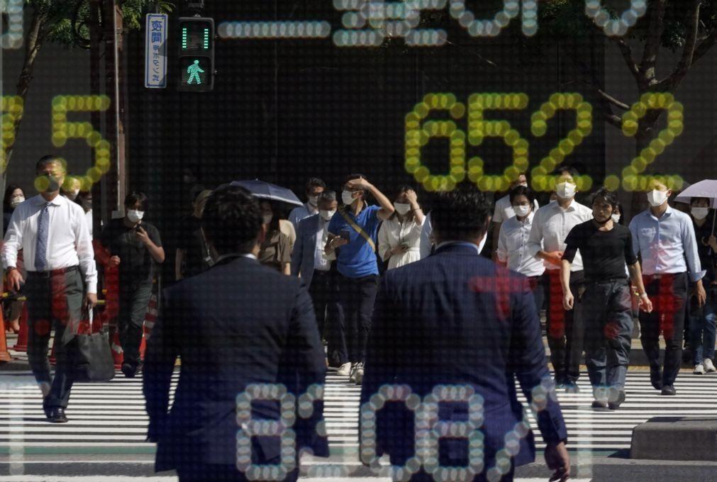 Bolsa de Tóquio abre a ganhar 0,38%