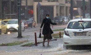 Tempestade Balos provoca graves inundações em Atenas