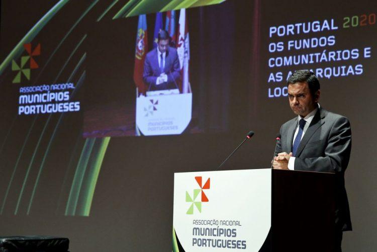 Governo prolonga prazo para autarquias reforçarem fundos europeus