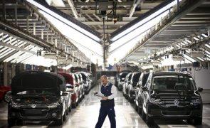 Produção automóvel cai 35,7% em setembro penalizada pela crise dos semicondutores