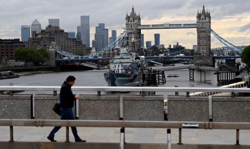 Brexit: Governo britânico estende até 2022 apoio a processo de residência