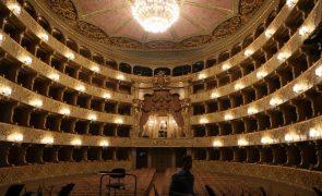 Dia Mundial da Ópera é celebrado pelo Teatro de S. Carlos com repertório do século XIX
