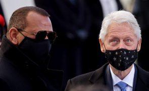 Antigo Presidente dos EUA Bill Clinton hospitalizado - porta-voz