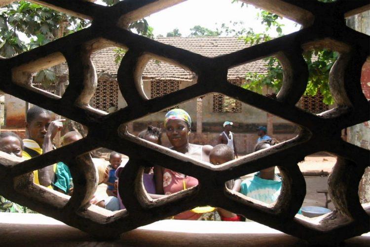Mais de 400 pessoas em fuga da Gâmbia procuram refúgio na Guiné-Bissau