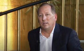 'Rei dos Frangos' e John Textor multados em 75 mil euros