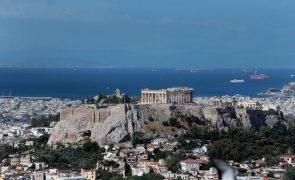 PIB da Grécia recua mais que previsto em 2020 ao contrair 9%