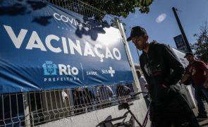 Covid-19: Especialistas recomendam 80% de vacinados no Rio de Janeiro para o Carnaval em 2022
