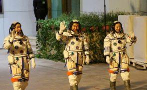 Nave atracou com sucesso na estação espacial da China para uma missão de seis meses