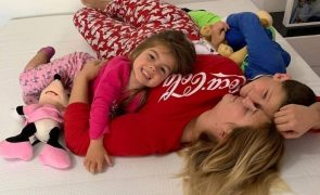 Bernardina Brito mostra-se com a filha no hospital e explica o que aconteceu à menina