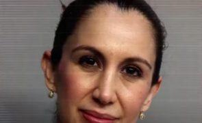 Professora grávida detida após ter relações sexuais com aluno menor