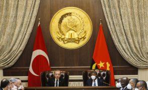 Presidente turco defende aproximação a África para um mundo mais justo