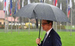 Polónia insiste na primazia do direito nacional e acusa UE de défice democrático