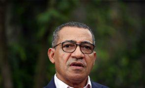 Presidente são-tomense insta Governo a acompanhar a melhoria energética no país