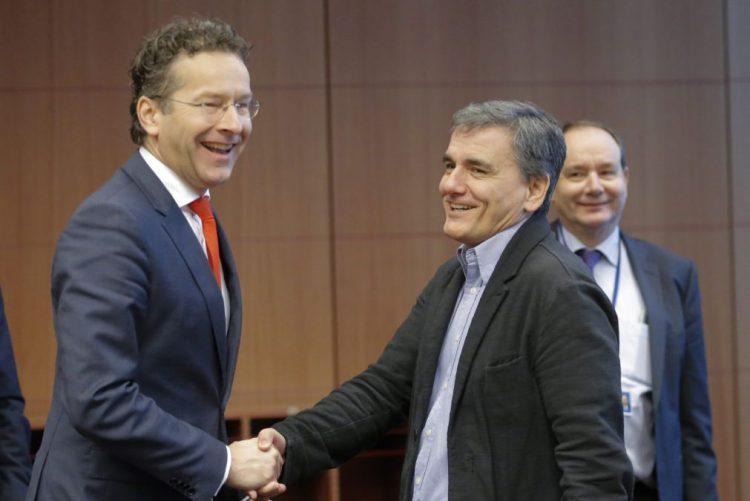 Eurogrupo apoia medidas para alívio da dívida grega no curto prazo