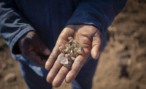 Cooperativas diamantíferas angolanas lamentam falta de incentivos fiscais