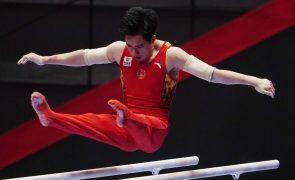 Chinês Zhang Boheng campeão do mundo de ginástica 'all around'