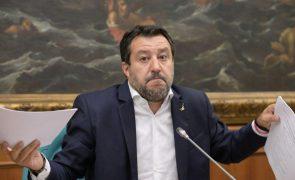 Salvini questiona se por trás de ONG como Open Arms estão interesses económicos