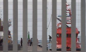 Migrações: Mais de 400 migrantes resgatados aguardam acolhimento europeu
