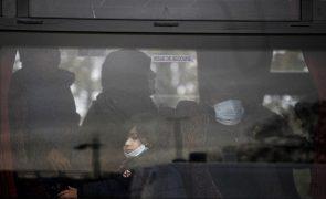Migrações: Refugiados ocupam estação ferroviária em França após interrupção de acolhimento