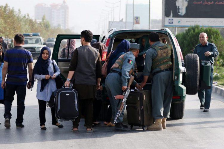 Reféns dos EUA e Austrália surgem em vídeo dos talibãs do Afeganistão