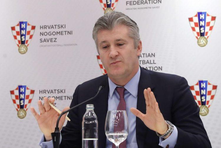 Presidente da UEFA  diz que 'fair-play' financeiro equilibrou contas dos clubes
