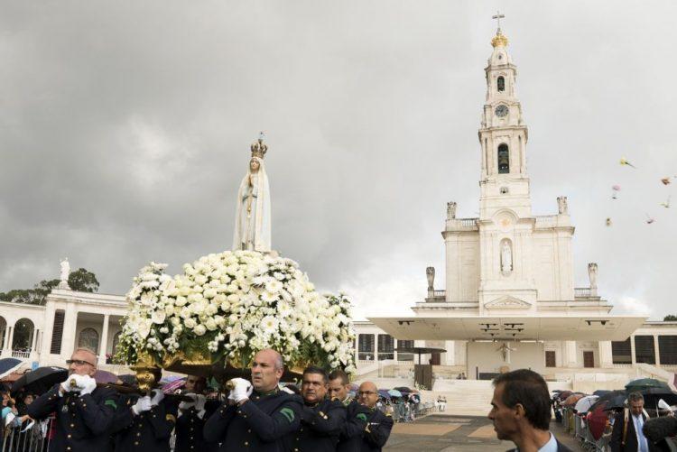 Durante visita do papa vão existir estacionamentos fora de Fátima