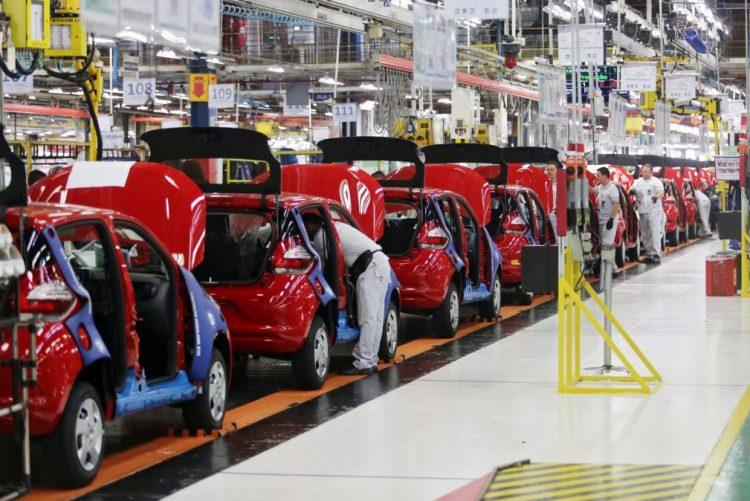 Ações da Fiat Chrysler suspensas em Milão após queda de 16%