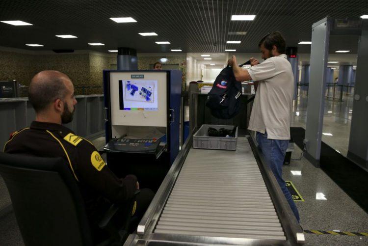 Dois argelinos fugiram do aeroporto de Lisboa