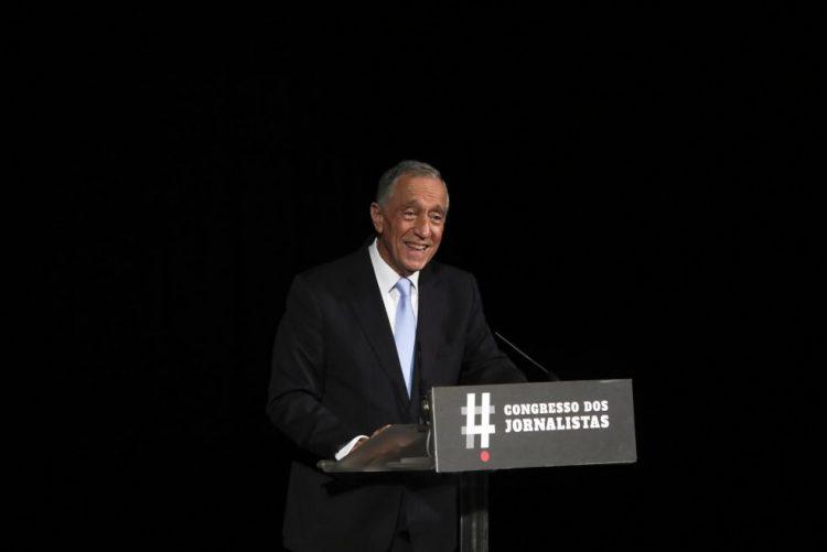 Presidente da República pede aos jornalistas que não desistam e sejam anti-poder