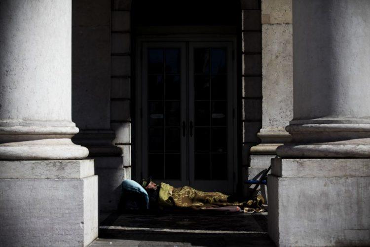 Filme retrata quotidiano de refugiado e de sem-abrigo nas ruas de Arroios, em Lisboa