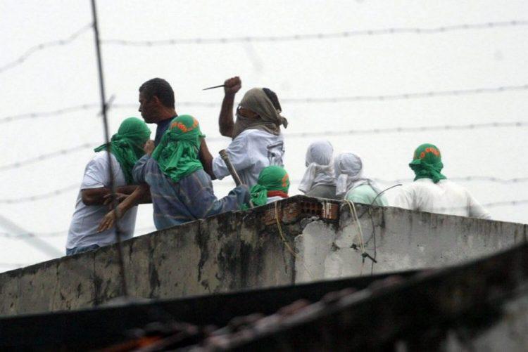 Dez mortes em prisão do Rio de Janeiro em 10 dias, sobrelotação pode ser causa