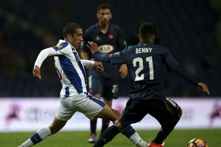 Evandro deixa FC Porto e assina pelo Hull City