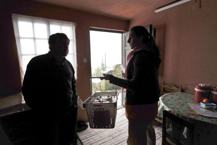 Delegados de saúde devem intensificar visitas a lar de idosos devido ao frio - DGS