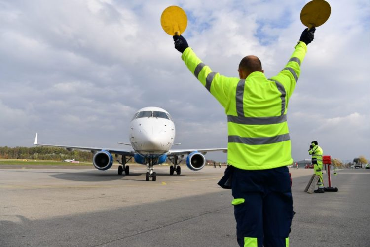 Embraer entrega 225 aeronaves em 2016, melhor resultado dos últimos 6 anos