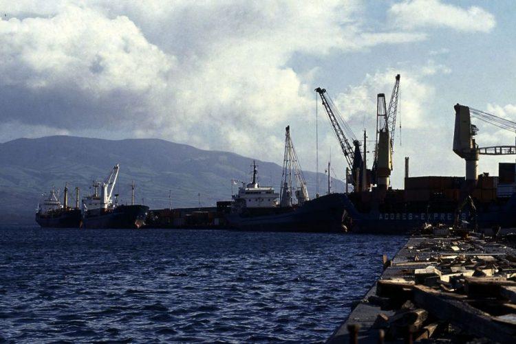 Obras no porto de Ponta Delgada começam este mês, sem afetar