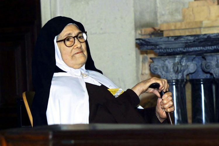 Canonização de Lúcia fica dependente do papa após conclusão do processo em Coimbra