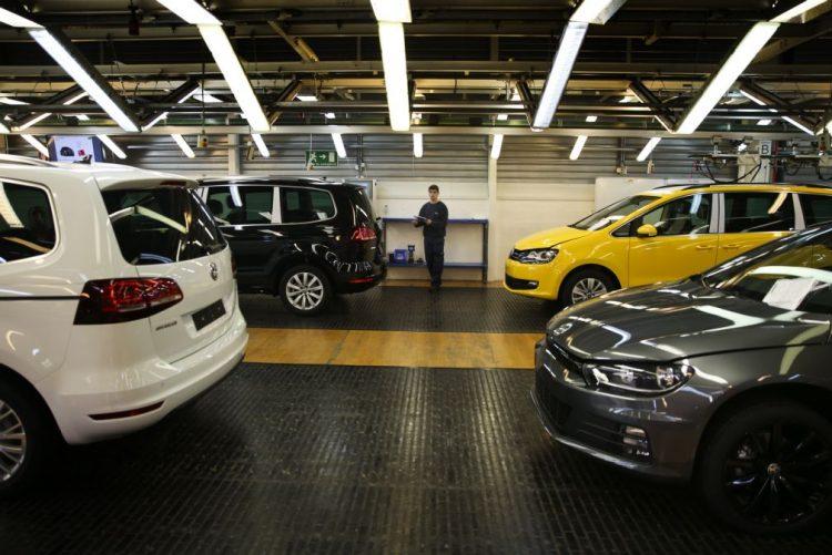 Produção automóvel em Portugal cai 8,6% em 2016 - ACAP
