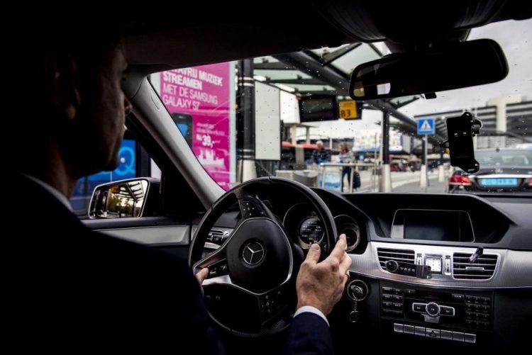 PSP levanta 31 contraordenações a condutores da Uber e Cabify por falta de alvará