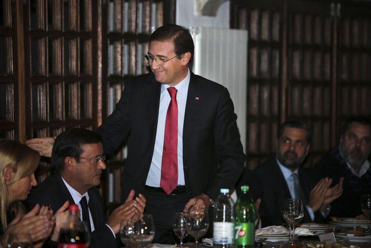 Governo não conta com o voto do PSD caso a descida da TSU vá ao parlamento - Passos Coelho