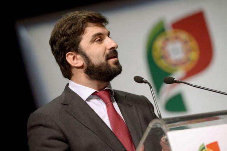 Ministro da Educação preocupado com taxa de retenção evidenciada no PISA