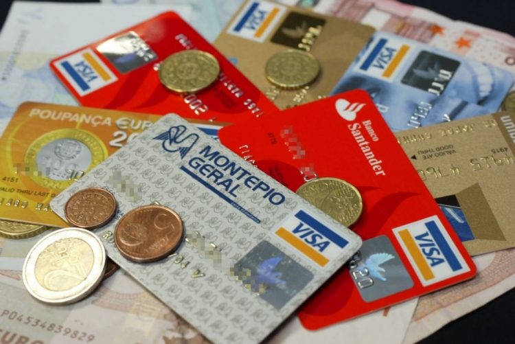 Valor das compras com Multibanco cresceu 5,8% no início da época de Natal - SIBS